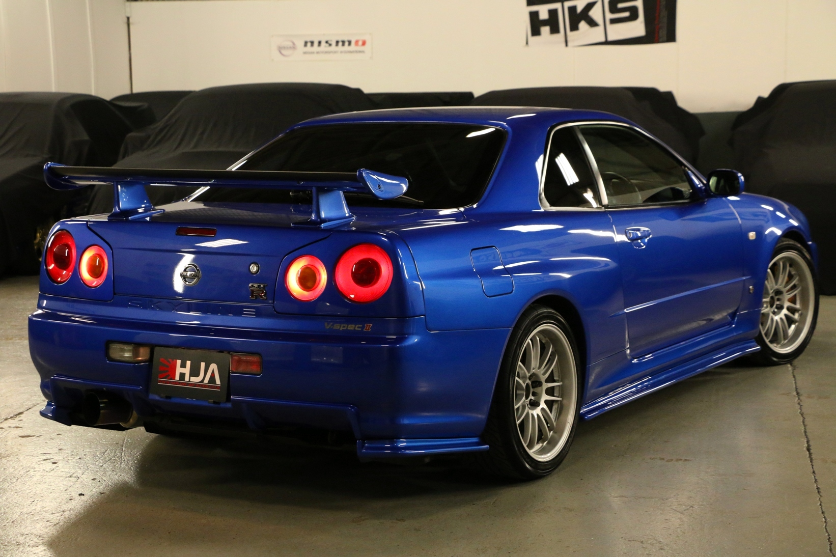 nissan skyline r34 gt r vspecii track edition high. Black Bedroom Furniture Sets. Home Design Ideas